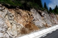 skały na drodze na Padis