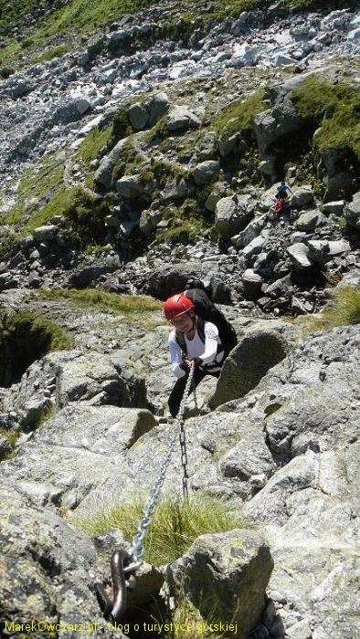 pierwsze łańcuchy na podejściu na górne pięterko Doliny Dzikiej