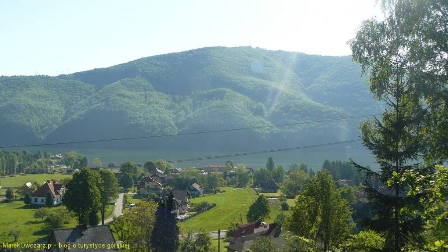 góra Żar w promieniach słońca