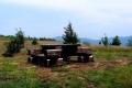 ławeczki na szczycie Ćwilina