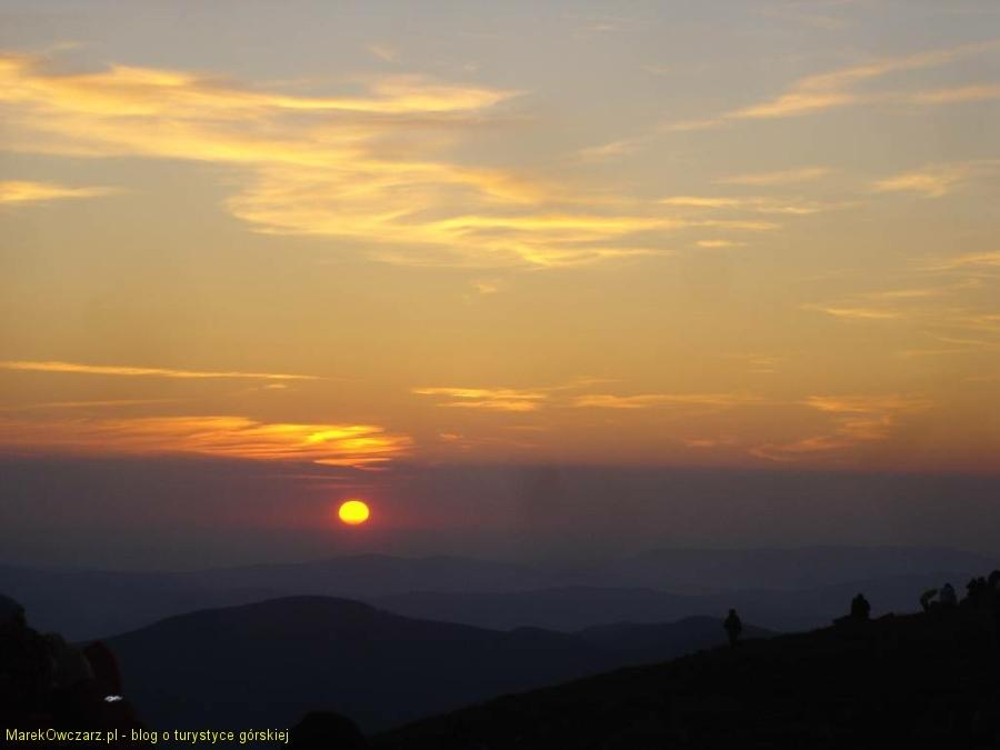 widowiskowy wschód słońca z Diablaka