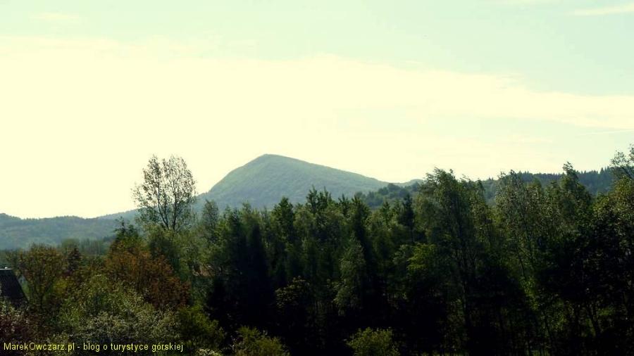 widok na Cergową ze wsi Nadole