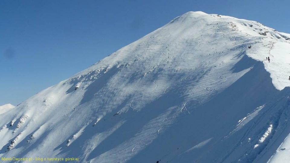 ślady narciarzy na Wołowcu