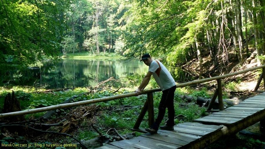 Marcogor na mostku przy dolnym jeziorku