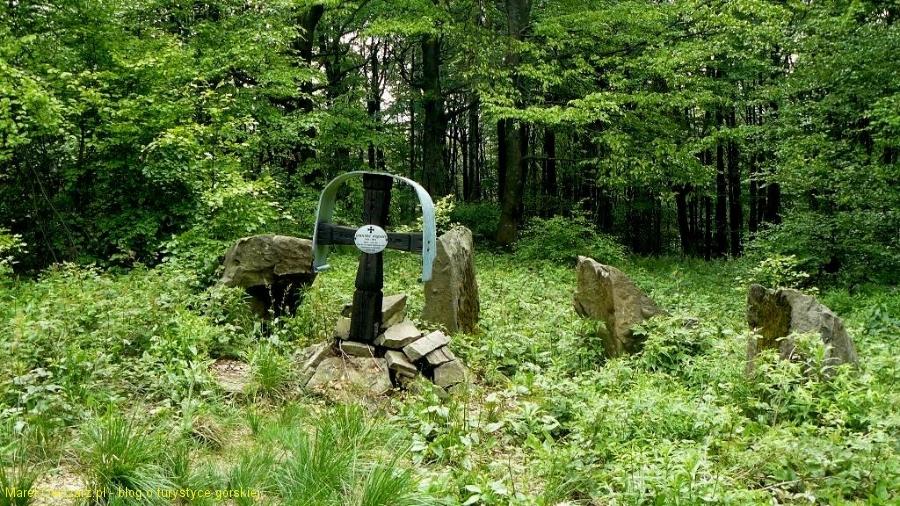 cmentarz wojenny pod Chryszczatą