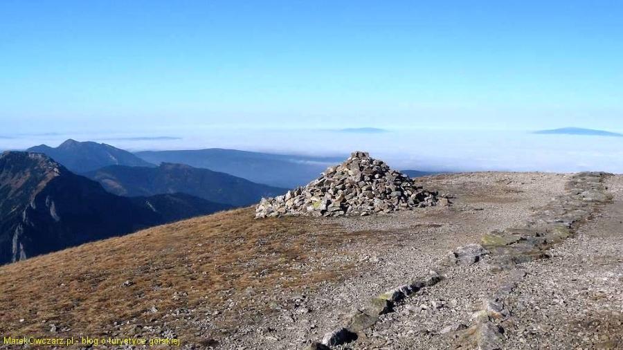 widok znad Chudej przełączki w stronę Babiej Góry