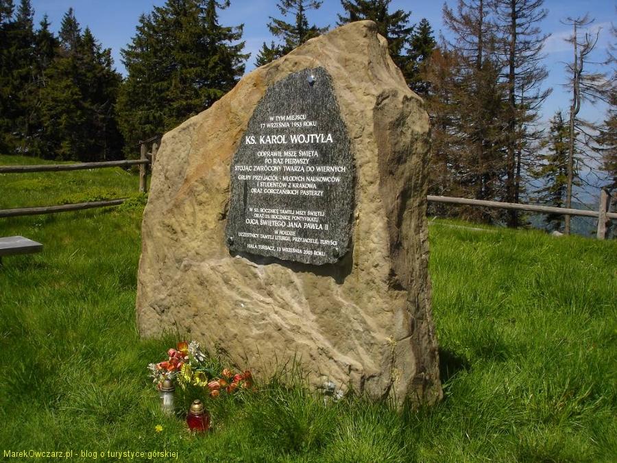 obelisk upamiętniający JPII