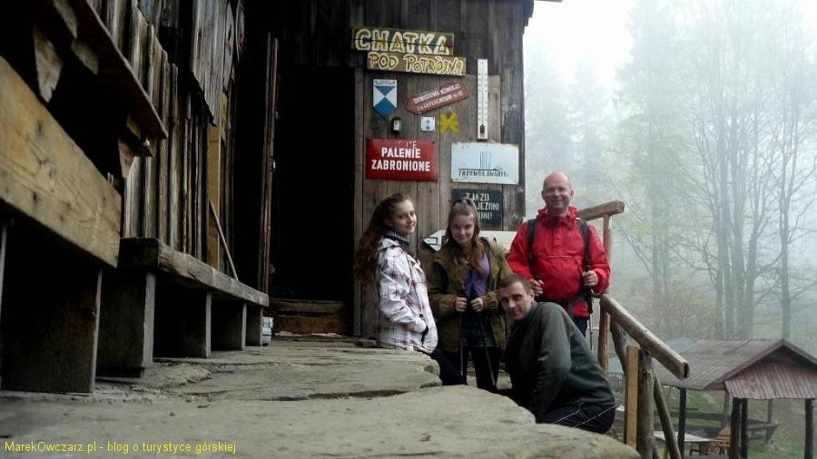 cała nasza ekipa przy chatce pod Potrójna