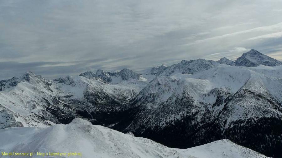 widok od Świnicy po Krywań, w dole Dolina Wierchcicha