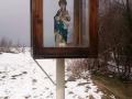 figura Matki Boskiej przy źródełku