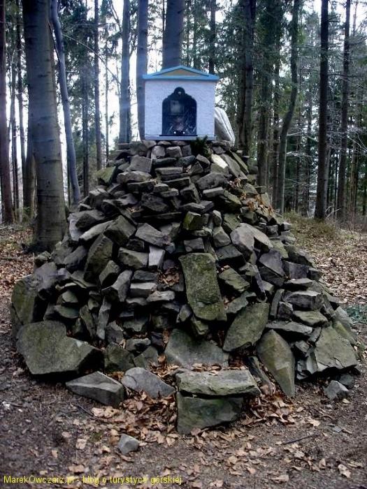 kapliczka w rezerwacie