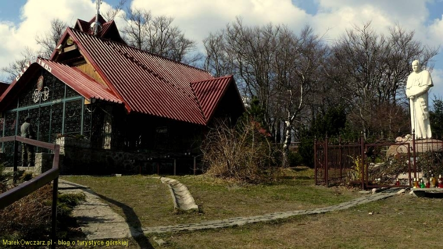 pomnik Karola Wojtyły na Groniu