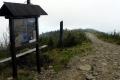 tablica na głównej grani Łysej Góry