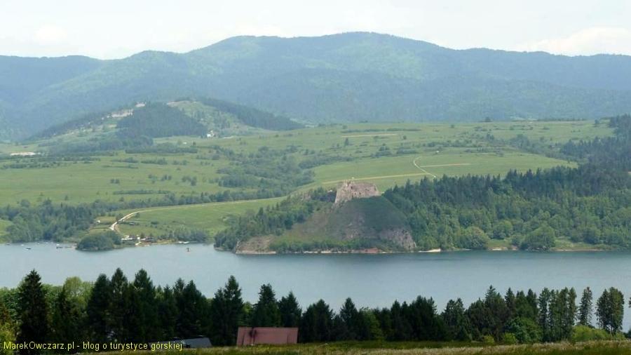 zbliżenie na ruiny zamku Czorsztyn