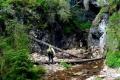 przejście z jaskini do wąwozu Somesului Cald