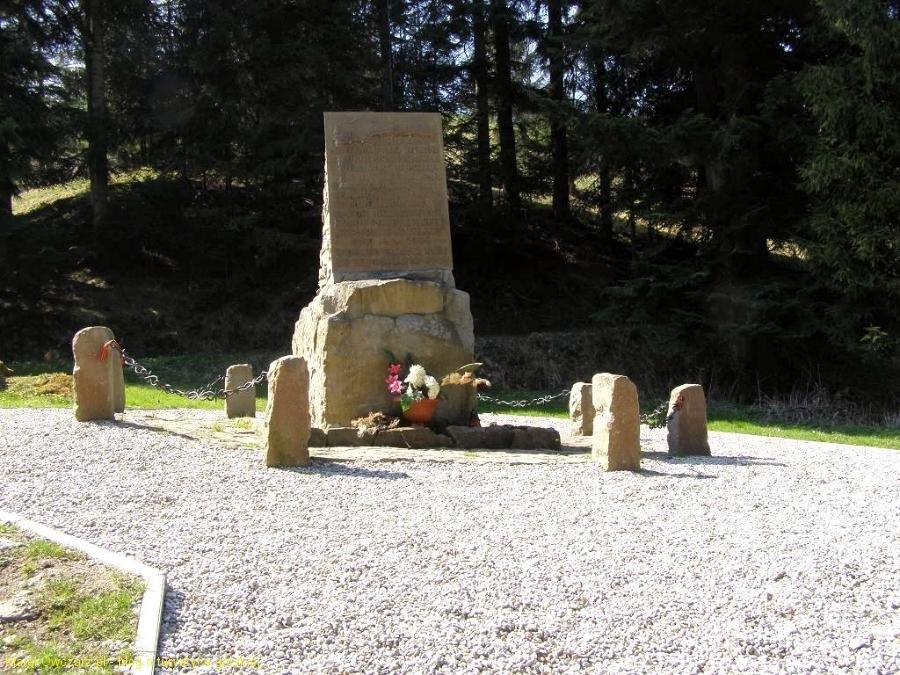 miejsce pamięci poległych partyzantów na Przysłopie