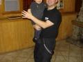 młody gospodarz tanczy z Arashem