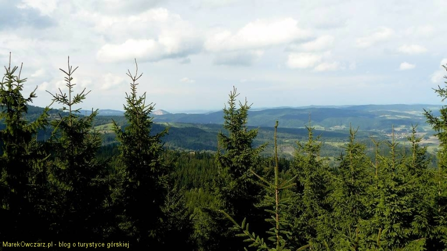 panorama z Wysokiej Kopy na Góry Kaczawskie