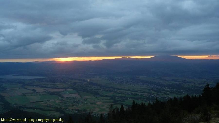 słońce wychodzi za Babiej Góry