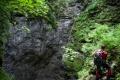Marcogor przy studni wlotowej do jaskini Avenul Bortig