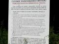 tablica informacyjna o wejściu na tereny wojskowe