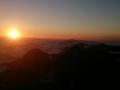słońce oświetla Babią Górę z prawej
