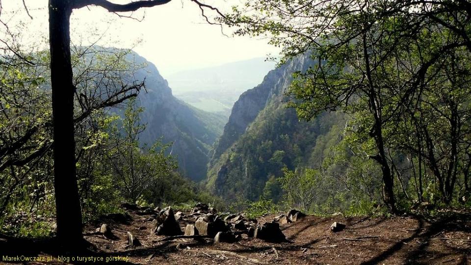 widok na Zadielską Dolinę ze Skały