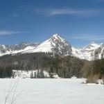 Zimowy spacer od Popradzkiego Stawu do Szczyrbskiego Jeziora