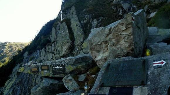 Symboliczny Cmentarz Ofiar Gór w Karkonoszach