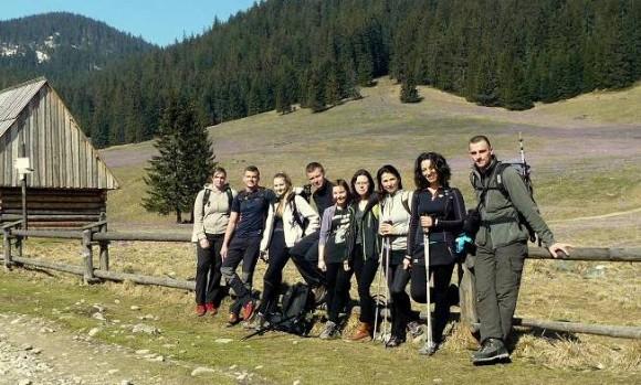 cała nasza dziewięcio -osobowa ekipa na Polanie Chochołowskiej