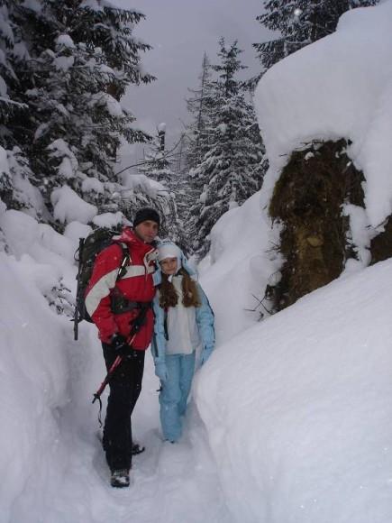 Marcogor z córką w tunelu do schroniska Roztoka
