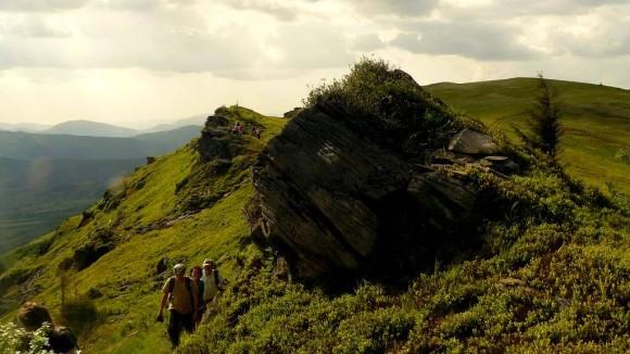 malownicze skałki nad Przełęczą Ruski Put
