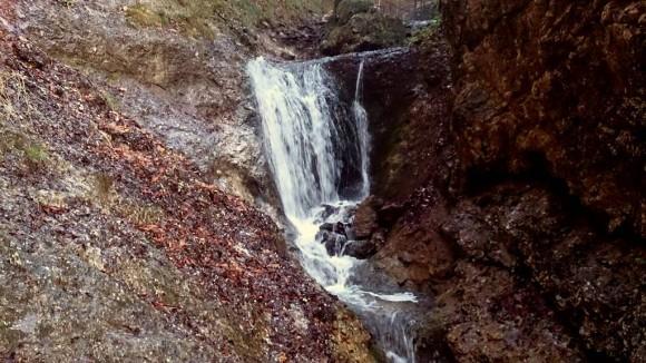 jeden z wodospadów Dolnych Dier