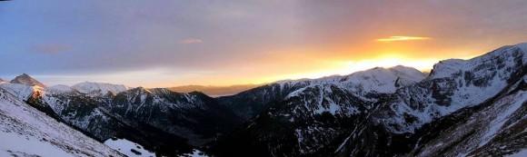 zachód słońca nad Tatrami Zachodnimi widziany z Przełęczy pod Kopą kondracką