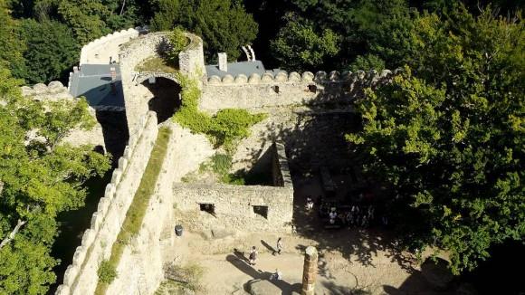 ruiny zamku Chojnik widziane z wieży