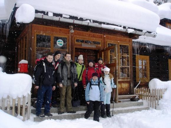 pierwszy zlot GGG w 2009 r. w schronisku w Starej Roztoce w ośmioosobowym składzie