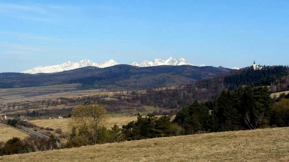 panorama Gór Lewockich z widokiem na Tatry i Marianską Horę