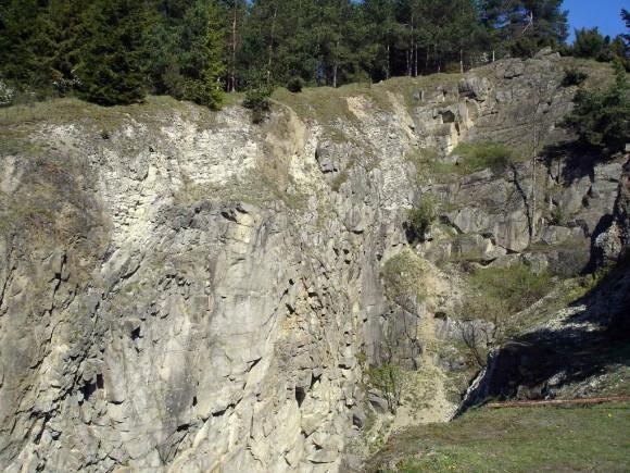 kamieniołom Snozka w zboczach góry Wdżar