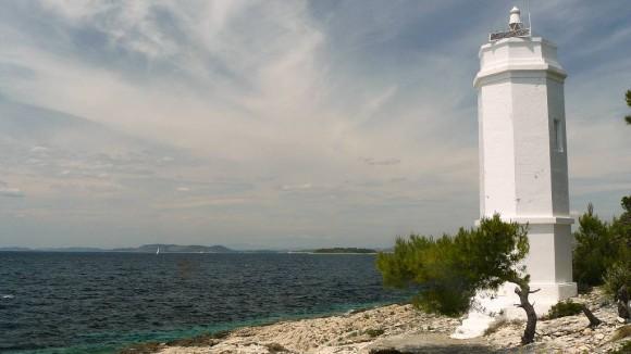 latarnia morska w zatoce Primosten