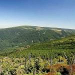 Na Smreku – kulminacji czeskiej części Gór Izerskich oraz w Bobrowych Skałach