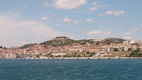 Twierdza św.Anny z lewej na wzgórzu i Twierdza św.Michała z prawej