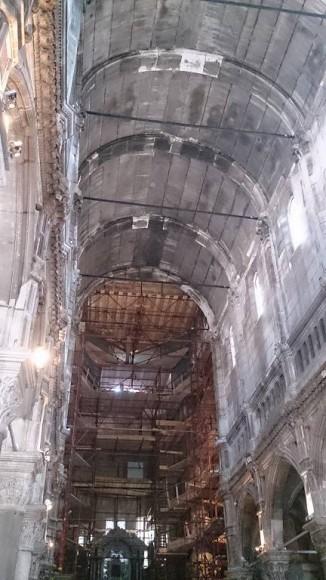 nietypowe sklepienie w kształcie dna łodzi w katedrze