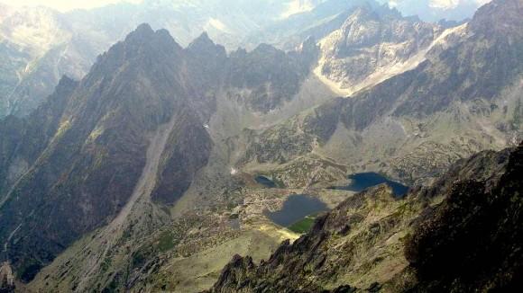 otoczenie Doliny Pięciu Stawów Spiskich, z Pośrednią Granią, Żóltą Ścianą, Czerwoną Ławką i Małym Lodowym