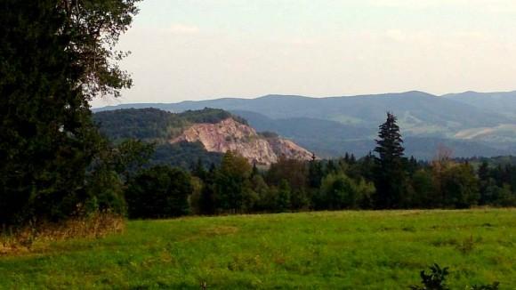 Góra Połom widziana z siodła między Skopcem i Barańcem
