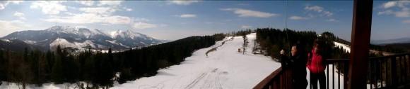widok z wieży na Małą Polanę i Tatry Bielskie