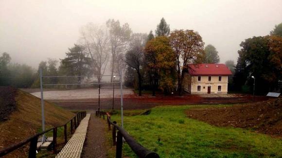 urokliwe położenie stacji PKP Kasina