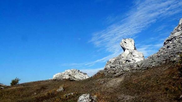 fantazyjne ostańce skalne