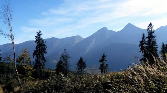 Tatry Bielskie widziane spod wierzchołka Przysłopu na grani Magury Spiskiej
