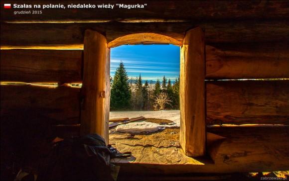 okienko w szałasie na polanie na szczycie Magurki, foto T.Zabrzewski