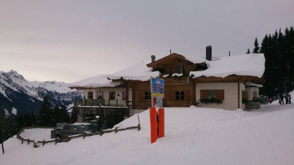 schronisko Rosswaldhütte, baza dla narciarzy i turystów